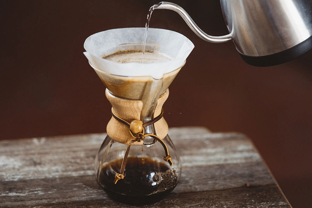 pour over coffee maker dripper is made of high-grade stainless steel
